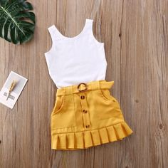 Yellow Pleated Skirt, Pleated Skirt Outfit, Skirt Outfits, Cute Little Girls Outfits, Girls Summer Outfits, Cute Baby Clothes, Baby Girl Clothing, Stylish Baby Clothes, Stylish Kids