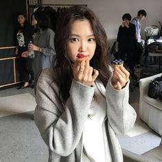 Descubra (e salve!) suas próprias imagens e vídeos no We Heart It Kpop Girl Groups, Korean Girl Groups, Kpop Girls, Angels Beauty, Son Na Eun, Apink Naeun, Best Photo Poses, Picture Icon, Uzzlang Girl