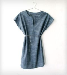 String belted dress with v-neck split. Tunic Dress Chambray by Handsome Howard #hearthandmade
