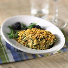 Crispy Kellogg's Corn Flakes® cereal tops this vegetarian, cheese-and-spinach casserole. Serve it as a side dish with roasted chicken or on its own as a main dish.