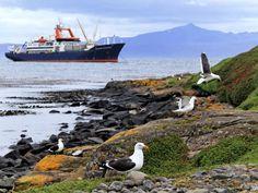 Le bateau de recherche, le Marion Dufresne, prend la direction des Terres Australes et Antarctiques Françaises.