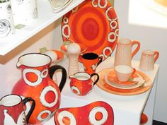 Johannesburg based ceramic artist, Julia K specializes in Contemporary hand painted, functional and decorative ceramic pieces.
