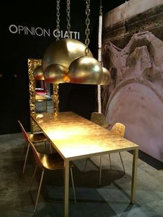 """""""Mammamia"""" diseño de Marcello Ziliani, """"ILTavolo"""" y lampadario """"ILRe"""" diseño de Lapo Ciatti presentados por OPINION CIATTI. #ISaloni #ISaloni2015 #Salonedelmobile #Milan #Salone2015"""