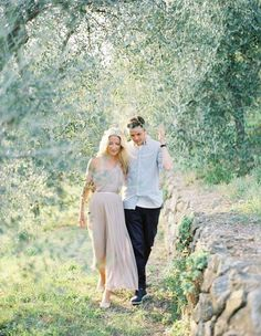 Tuscan Engagement Session by Jose Villa - Once Wed Engagement Photo Outfits, Engagement Photo Inspiration, Engagement Couple, Engagement Pictures, Engagement Shoots, Wedding Pictures, Photo Couple, Couple Shoot, Couple Pics