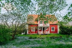 Red Cottage, Cozy Cottage, Old House Decorating, Future House, My House, Small Cottages, Swedish House, House Landscape, Scandinavian Home
