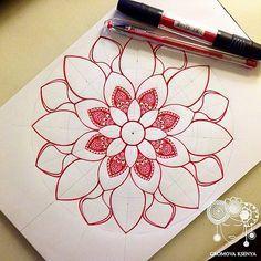 #arts_help #мандала #графика #орнамент #узор #graphic #art #акварель #watercolor #mandala #ornament #pattern #drawing #рисунок #geometry #zentangle #зентангл #sketch #paint #instagood #drawing #artwork #tattooart #tattoo #henna #fabercastell #Daily__Ar | par Gromova_Ksenya
