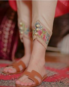 Pakistani Fashion Party Wear, Indian Fashion Dresses, Girls Fashion Clothes, Fashion Pants, Simple Pakistani Dresses, Pakistani Dress Design, Sleeves Designs For Dresses, Dress Neck Designs, Stylish Dresses For Girls