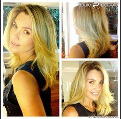 Flávia Alessandra corta o cabelo com o hairstylist Marcos Proença, em 1º de março de 2013