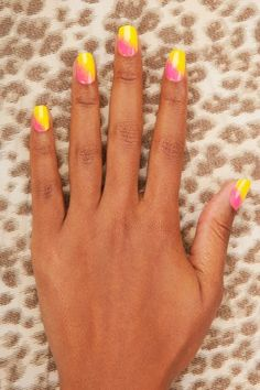 Summer ombré nails - yellow and pink!