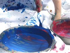 Splatter Painting with Kids :: A Jackson Pollock Collaborative - The Artful Parent