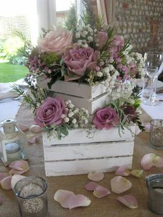 Bridal Shower Decorations 599752875364476101 - bridal shower decorations 402016704240114591 – trendy vintage floral bridal shower flower arrangements Source by mariejosepereir Source by rosannehutchison Table Centerpieces, Wedding Centerpieces, Wedding Table, Diy Wedding, Rustic Wedding, Wedding Ideas, Centerpiece Flowers, Centrepieces, Bridal Shower Flowers