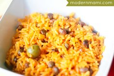 Learn how to make Puerto Rican arroz con gandules recipe in a rice cooker! This traditional Puerto Rican food, rice with pigeon peas takes a modern twist. Pea Recipes, Rice Recipes, Mexican Food Recipes, Recipies, Vegetarian Recipes, Dinner Recipes, Rice Cooker Recipes, Crockpot Recipes, Cooking Recipes