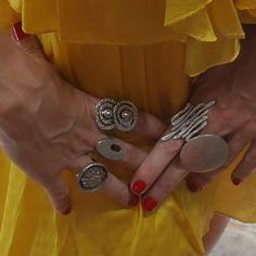 Anéis ajustáveis, excelente opção para o presente de natal, confira nossa seção de anéis, você irá se encantar!!!! http://www.hazineacessorios.com.br/aneis.html