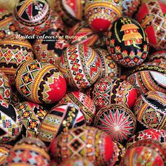 Feast Of The Annunciation, Pipe Cleaner Crafts, Ukrainian Easter Eggs, Easter Traditions, Folk Art, Traditional, Virgin Mary, Romania, Blessed