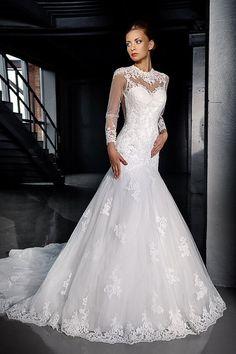 Stunning lace wedding dress.Long sleeves by AutumnSilkBridal