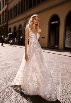 Wedding dresses 2020 Body Contouring, Bridal Collection, Florence, Bridal Dresses, Tulle, Feminine, Couture, Bride, Elegant