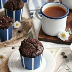 Fluffy, moist and chocolaty muffins - just like the Starbucks version, only vegan and so much healthier!