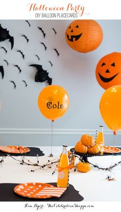 Halloween Party - DIY Jack-o-Lantern Balloon Placecards | /kimbyers/ and /balloontime/