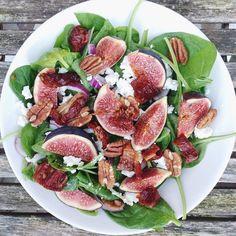 Gezond recept:  carpaccio van vijgen en feta! Salad Bar, Good Mood, Green Leaves, Tuna, Foodies, Fish, Vegetables, Salad, Veggies