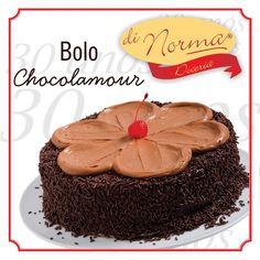 Nosso delicioso Choco L'amour.  Bolo de Chocolate, com recheio de Brigadeiro. Apaixonante!  #DiNorma  #BolosDiNorma