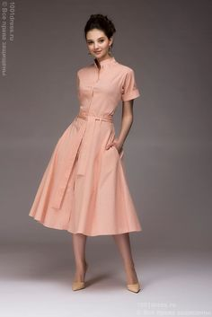 Classic go-to design for every shape, every woman. Classy Outfits, Pretty Outfits, Pretty Dresses, Beautiful Outfits, Modest Dresses, Stylish Dresses, Casual Dresses, Vestidos Vintage, Vintage Dresses