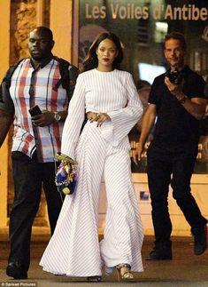 Rihanna's Nice, France Rosie Assoulin Striped Crop Top and Striped Palazzo Pants Rihanna Mode, Estilo Rihanna, Rihanna Street Style, Rihanna Riri, Rihanna Outfits, Rihanna Clothes, Rihanna Fashion, Looks Street Style, Looks Style