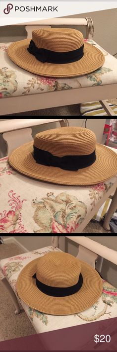 Classic & Chic Straw Hat Timeless! Buy now for that perfect spring summer or beach look. Accessories Hats