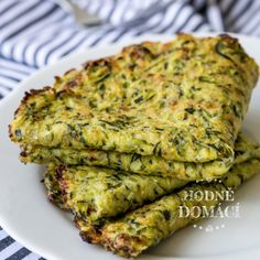 Cuketové tortilly | Hodně domácí Waffle Recipes, Veggie Recipes, Low Carb Recipes, Cooking Recipes, Healthy Recipes, Pumpkin Squash, Salmon Burgers, Food And Drink, Veggies