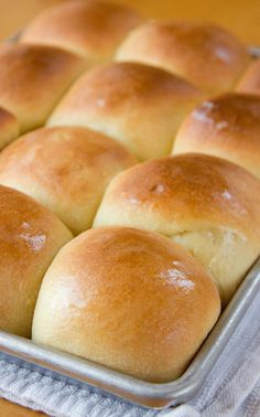 Sweet Hawaiian Dinner Rolls