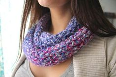 This infinity scarf is a quick and easy knitting project that you can do on a rectangular or round loom - whatever you have around! I've been working on this pattern...