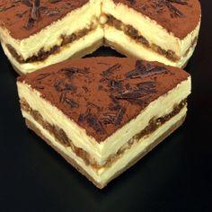 Se ami il tiramisù impazzirai sicuramente per questa cheesecake. Un modo originale e creativo per assaporare uno dei dolci classici della cucina italiana.