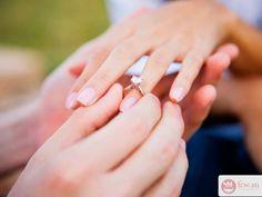 Пять романтичных идей для предложения руки и сердца https://www.fcw.su/blogs/otnoshenija/pjat-romantichnyh-idei-dlja-predlozhenija-ruki-i-serdca.html  Уже совсем скоро придет весна, время романтиков и влюбленных. Кто-то только ищет свою половинку, а кто-то раздумывает о следующем шаге в отношениях. Как сделать предложение руки и сердца по настоящему романтическим? Ужин в ресторане и большим букетом сегодня вряд ли можно удивить девушку. Вот несколько оригинальных идей.