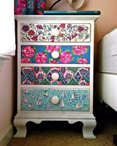 Colorful diy drawer prints
