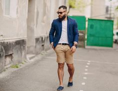 Unique and handsome styles for your man. http://declarebeauty.com/style/cheap-clothes-men/