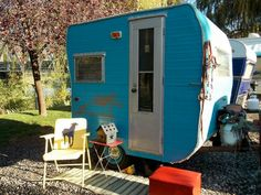Vintage Lil Loafer, tiniest of vintage trailers