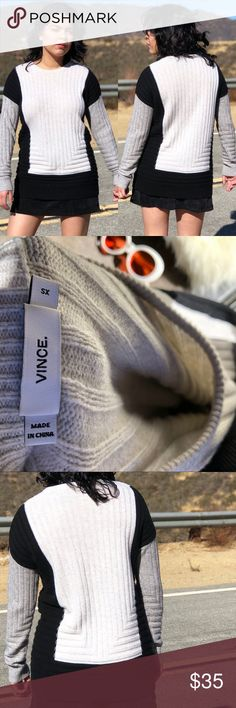 VINCE SZ XS TEXTURE KNIT COLOR BLOCK SWEATER Super cute sweater from Vince Vince Sweaters