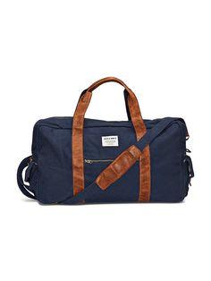 Accessories by JACK & JONES - Weekender von ACCESSORIES - Reißverschluss - Ein großes Fach - Tasche mit Reißverschluss an einer Seite - Zwei Innentaschen, davon eine mit Reißverschluss - Zwei Taschen mit Druckknopfverschluss und Lasche - Abnehmbarer Schulterriemen - Zwei Handschlaufen - Markenlogo-Patch an der Seite Außenmaterial: 95% Baumwolle, 5% Leder, Futter: 100% Polyester...