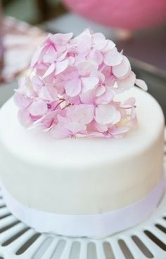 mini cherry blossom cake