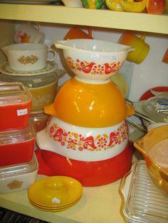 pyrex friendship bowls