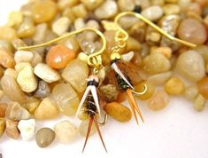12 Unique Fly Fishing Earrings - The Jighead Walleye Fishing Tips, Tuna Fishing, Fly Fishing Lures, Fish Hook Earrings, Diy Earrings, Drop Shot Fishing, Pike Flies, Blue Charm, Coloured Feathers