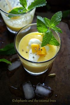 Sweet Mango Lassi Mango Recipes, Raw Food Recipes, Great Recipes, Vegetarian Recipes, Favorite Recipes, Mango Lassi, Savoury Dishes, Smoothie Recipes, Smoothies