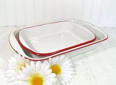 Red on White EnamelWare Baking Pans Set - Vintage Set of 2 Pieces - Shabby Farmhouse BakeWare