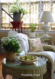 Fall Sunroom-Housepitality Designs