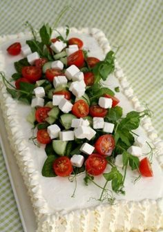 """this is a savory sandwich cake made with layered crustless sandwich bread """"icing"""" (made with flavored cream cheese sour cream creme fraiche etc) and filled/topped with feta cheese tomatoes cucumbers etc. Tea Sandwiches, Sandwich Torte, Sandwich Ideas, Tapas, Savoury Cake, Creative Food, High Tea, How To Make Cake, Appetizer Recipes"""