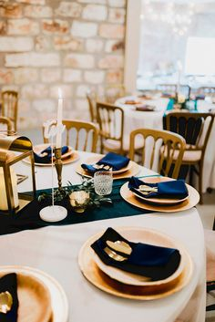 White Linen, Green Velvet Runner, Navy Napkins P. Gold Lanterns, Gold Chargers, Twinkle Lights, Green Velvet, Wedding Wishes, Candlesticks, Wedding Venues, Table Settings, Table Decorations