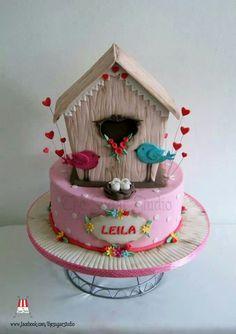 Birds birdhouse cake