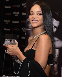 Rihanna Photos - Recording artist Rihanna attends ROGUE MAN Fragrance Launch at Macy's at Lenox Square on October 2014 in Atlanta, Georgia. - Rihanna at ROGUE MAN Fragrance Launch Moda Rihanna, Rihanna Mode, Rihanna Riri, Rihanna Style, Rihanna Daily, Beyonce, Rihanna Outfits, Rihanna Photos, Rogue Man