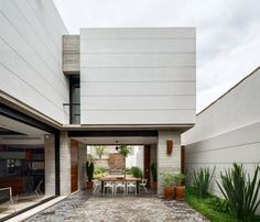Chihuahua, México  Casa Calle Segunda (C2a) / By: LABorstudio