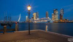 Het uitzicht op de Cruise Terminal in Rotterdam met de Aida Prima in panorama.