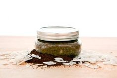 Organic DIY Body Scrubs With Major Benefits Brighten your skin with this DIY Coffee-Coconut Oil Sugar Scrub.Brighten your skin with this DIY Coffee-Coconut Oil Sugar Scrub. Coconut Oil Sugar Scrub, Coconut Oil Cellulite, Coconut Oil Coffee, Coffee Cellulite Scrub, Coffee Face Scrub, Body Scrub Recipe, Diy Body Scrub, Natural Body Scrub, Exfoliating Body Scrub